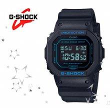 DW-5600BBM-1 남성 모노톤 컬러 스퀘어 시계